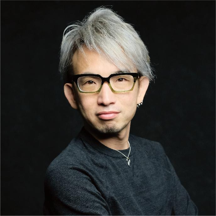 江夏 正晃 Masaaki ENATSU(音楽家 / マリモレコーズ代表)ハイレゾ音楽・4K映像を駆使した映像&音楽制作のラボを開設し代表を務める。作曲家、アーティスト、DJとしても国内外で活動。映像と音楽を同一ラボで創るワークフローを公開し、メディア界の風雲児といわれる。Eスクールのデジタルサウンド講座でデジタル音楽の作曲を教え、「HOME Project」の音楽を担当、高い評価を得ている。